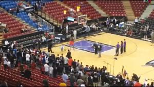 NBA屈指のセンターから得点を奪う少年のプレイが衝撃!