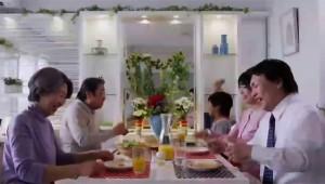 【人気テレビCM観察】朝から賑やかな家族? それとも騒々しい家族?