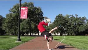 縄跳び世界チャンピオンの技が華麗すぎて目が追いつかない