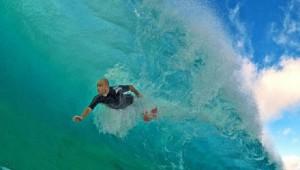 波を間近で撮影した幻想的で美しい画像5選