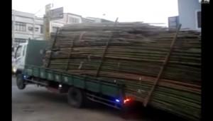トラックの積荷を簡単に降ろせる画期的発想が天才的!