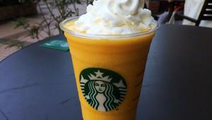 スタバの裏メニューが激ウマ! 桃果汁0%の『白桃フラペチーノ』が完全に桃っぽくてウマイ(笑)