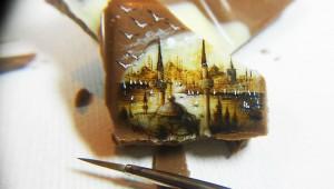 まるで有名絵画のよう! 食べ物に描かれた超微細アートが信じられないほど驚きのクオリティ!