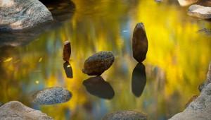 まるで異次元世界? 石を積み上げたアートが凄すぎて現実だと信じられないレベル!