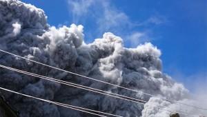 【衝撃動画】登山をしていたら御嶽山の大噴火に巻き込まれた動画が怖すぎる!