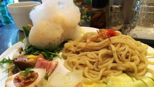 【食の芸術】泡をつけて食べる不思議な絶品つけ麺が大人気 / 麺や庄のゴツボ