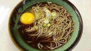 【激論】関東の蕎麦ツユは濃すぎるのか!? 関西人「醤油の原液みたいな関東のツユは異常!」