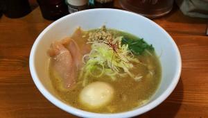 木曜日しかやってないラーメン屋『鶏次』で特製濃厚鶏そばを食べる / 注目すべきは煮卵