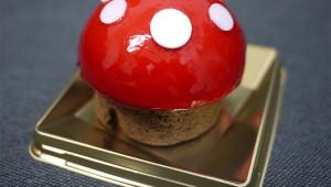 スーパーマリオブラザーズのキノコみたいなケーキを食おうぜ!