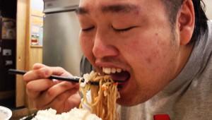 研究者「肥満=レプチンの分泌が多くなっている人は味覚にも鈍感になっている」