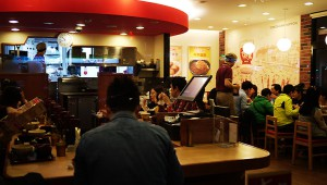 台湾の『すき家』に行ったら店員が5人もいたぞ! 超ホワイト企業だったんだが(笑)