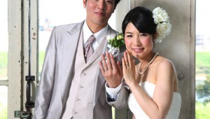 「高価な結婚指輪を買ったカップルは不幸になるぞ!」と経済学からの警告