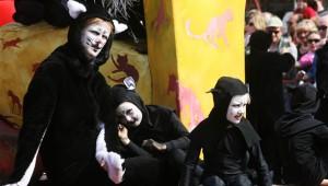三年に一度しか開催されない『イーペルの猫祭り』がファンタスティック!