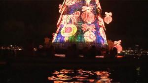 リオデジャネイロのクリスマスシーズンは「浮かぶクリスマスツリー」ではじまる