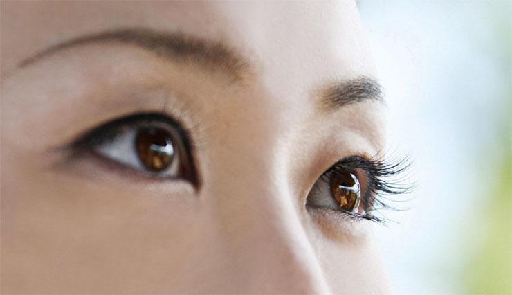 【衝撃事実】研究者「相手の目を見て話すのは良くない可能性 ...