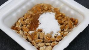 女子がブチギレ「彼氏が納豆に砂糖入れて美味そうに食べてた! ありえない!」
