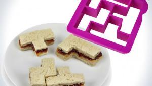 【衝撃】人気ゲーム『テトリス』のサンドイッチが簡単に作れるキッチン用品が凄い!