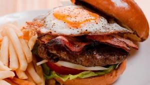 【食事基準】2015年から「コレステロールが高い食事でも問題ない!」が普通に