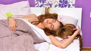 研究者「室温19度の部屋で眠ると脂肪が燃えやすくなる!」