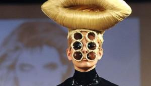 ついに神をも超越したファッションショーの世界がヤバイ(笑)!