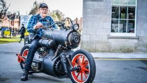 【衝撃】蒸気機関車がそのままバイクに!! 蒸気でピストンを動かす次世代のバイク誕生!