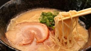 【衝撃】豚骨スープも鶏ガラスープもメチャクチャ体に良いことが判明! 豚骨ラーメン最強か(笑)