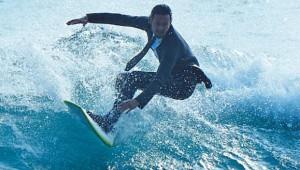 オフィスもサーフィンもこのスーツだけでOK! 海水浴用スーツがマジでカッコイイ件