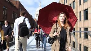 【衝撃的】傘が発明されてから3000年! 進化した次世代の傘が登場