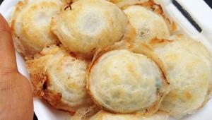 タイに行ったら絶対に食べるべきココナッツスイーツ『カノムクロック』