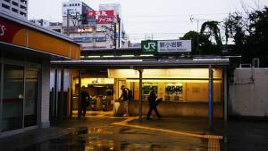 【衝撃】自殺の名所とまで言われているJR新小岩駅の自殺防止策が凄い!!
