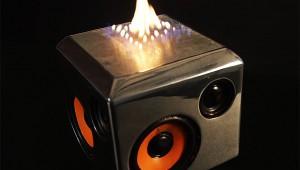 【過激】音楽に合わせて炎が噴き出すスピーカーが凄い! まるで炎のイコライザー