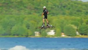 【衝撃】スパイダーマンに登場したグライダーの実現キター! ホバーボードで空中浮遊成功!