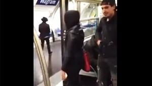 【最悪動画】悪質なイタズラ! 電車のドアが閉まる直前に女子を突き飛ばすクズ男