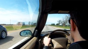 【衝撃動画】クルマの高速運転中に気絶! 暴走するようすを車載カメラが撮影!!