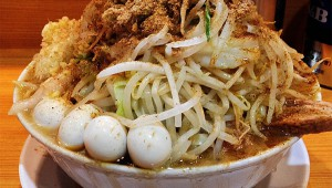 【激怒】ラーメン二郎マニアがブチギレ! 「二郎さんは舌で味わうもんじゃねぇ! 大腸で感じろ!」