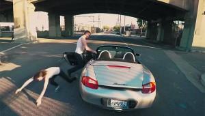 【衝撃】ゲーム『GTA』を実写で忠実に再現した動画がスゴイ! まるでゲーム画面(笑)