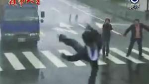 【衝撃】ヤバい演出の台湾ドラマに日本中が大爆笑! 視聴者「笑いすぎて死にそう」