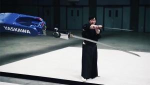 【衝撃】日本刀を持ったロボットVSサムライ! 360万回再生され世界が絶賛!