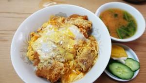 日仏中、食の三国同盟が遂に成し遂げた最高のカツ丼は高円寺の中華『七面鳥』にあり