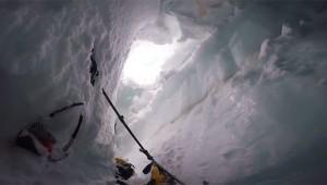 【生死の衝撃】雪山でスキー中にクレバスに落ちて絶体絶命! 救出までの一部始終