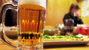 サラリーマン「ええ加減にせえよ! 食堂でビールと餃子とラーメンが時間差で出てきた!!」