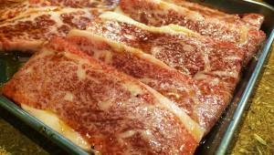 【衝撃】焼肉マニア「焼肉をレアで食べてるヤツはおかしい。プロは徹底的に焼いて食べる」