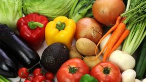 【衝撃】残留農薬が多くてヤバい野菜ランキングトップ12発表! 残留農薬を減らす方法あり