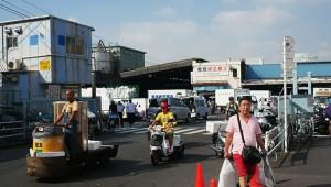 【衝撃】いま現在も日本中から「海の匂いがする」との報告多数! 築地市場の魚屋「海の匂いがするね」