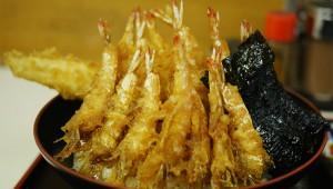 完璧なる食感と旨味が凄い「芝海老と穴子の天丼」を築地市場で味わう / 天房