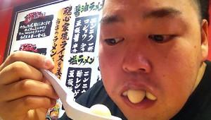 【激怒】絶対に許せない食事のマナー違反ランキングトップ10