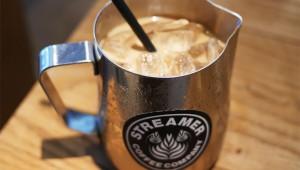 【濃密グルメ】豆2倍の濃厚リボルバーアイスコーヒー / ストリーマーコーヒーカンパニー