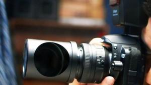 【革命的】スパイ専用カメラレンズが大人気! 正面ではなく「真横の写真」を撮影可能