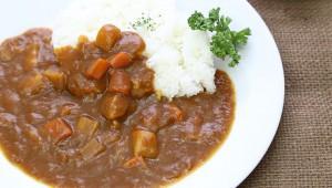 【究極レシピ】最強シェフの絶品カレーを作る9つの方法「カレーに水不要!トマトジュースで作れ! ポテトチップス入れろ!」
