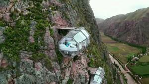 【恐怖】あまりにも恐ろしすぎる世界一怖いホテルが凄い! 地上120mに宙吊りのまま寝る!!